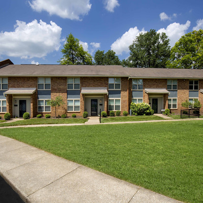 townhomes in plainview apartment community